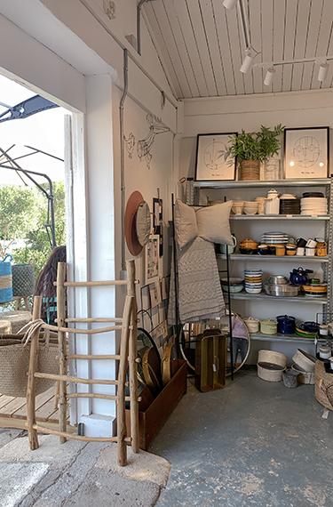 חנות דברים יפים לבית ובית קפה בשם NOKI לוחמי הגטאות