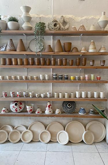 תצוגת הכלים היפים בסטודיו דווקא בחיפה